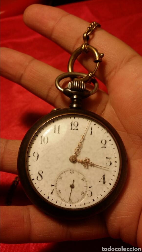 Relojes de bolsillo: Antiguo reloj de bolsillo marca acier garanty caja de hierro con incrustaciones en latón - Foto 2 - 184163548