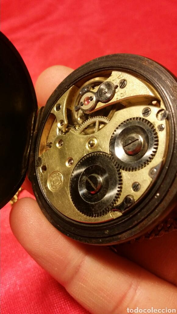 Relojes de bolsillo: Antiguo reloj de bolsillo marca acier garanty caja de hierro con incrustaciones en latón - Foto 5 - 184163548