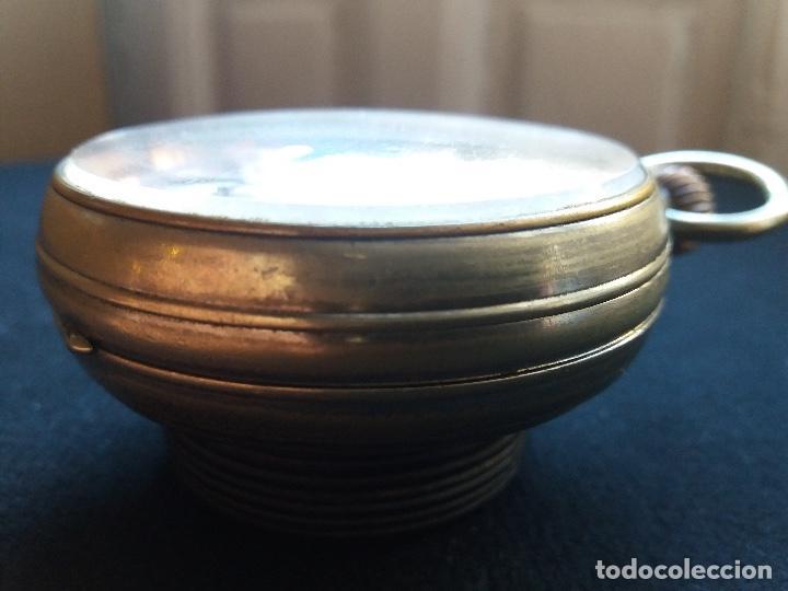 Relojes de bolsillo: RELOJ DE BOLSILLO DE GRAN TAMAÑO, FUNCIONA, LA MAQUINARIA ESTÁ PROTEGIDA POR UNA ESFERA TRANSPARENTE - Foto 5 - 194218040