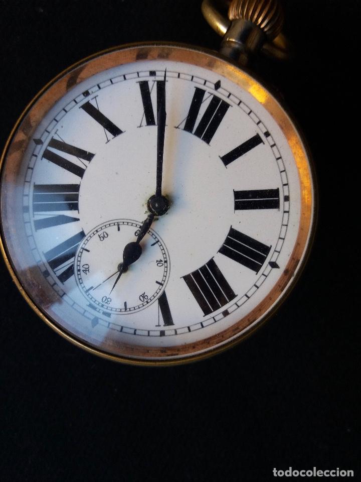 Relojes de bolsillo: RELOJ DE BOLSILLO DE GRAN TAMAÑO, FUNCIONA, LA MAQUINARIA ESTÁ PROTEGIDA POR UNA ESFERA TRANSPARENTE - Foto 6 - 194218040