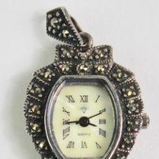 Relojes de bolsillo: RELOJ VINTAGE COLGANTE EN PLATA Y MARQUESITAS.JAPAN QUARTZ MOV T . S.XX. . Lote 194405535