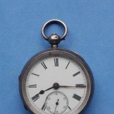 Relojes de bolsillo: RELOJ DE BOLSILLO MUY ANTIGUO CON CAJA DE PLATA.. Lote 196064348