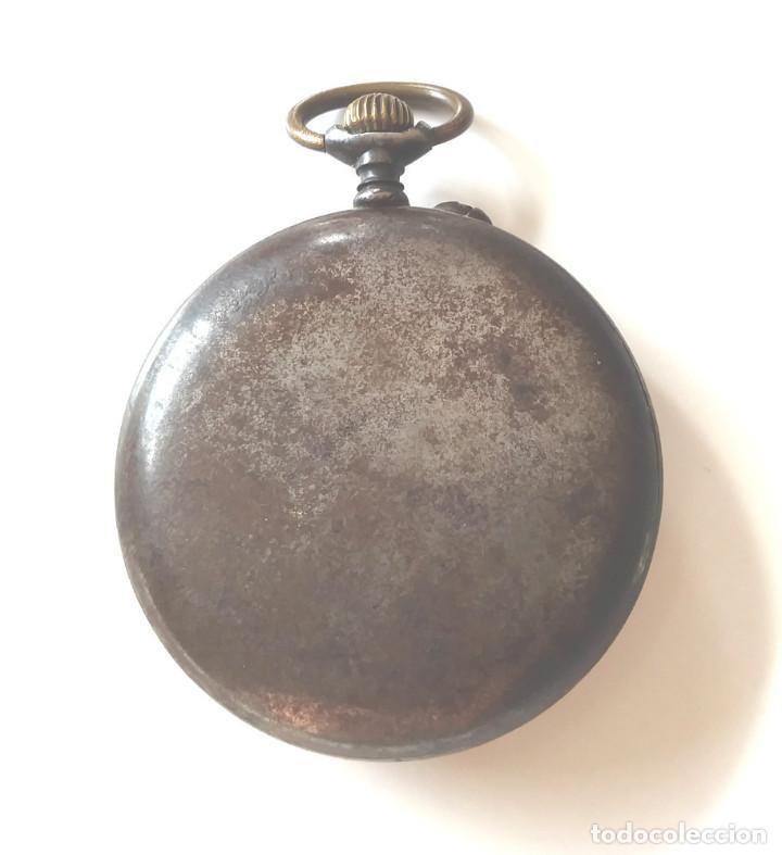 Relojes de bolsillo: Longines Reloj de Bolsillo años 20, hierro pavonado, funciona. Med. 5 cm sin contar tija - Foto 4 - 196076550