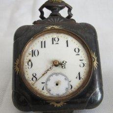 Orologi da taschino: RELOJ DE BOLSILLO ANTIGUO RARO CUADRADO ACERO DAMASQUINADO. Lote 196355706