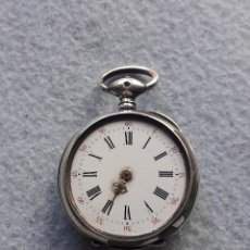 Relojes de bolsillo: RELOJ DE BOLSILLO ANTIGUO CON CAJA DE PLATA LABRADA. Lote 196909400