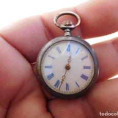 Relojes de bolsillo: RELOJ DE BOLSILLO PEQUEÑO DE PLATA AÑO 1900 APROX.. Lote 197183087