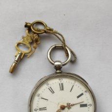 Relojes de bolsillo: RELOJ BOLSILLO EN PLATA REPUJADA CON LLAVE. FUNCIONANDO.. Lote 204818601