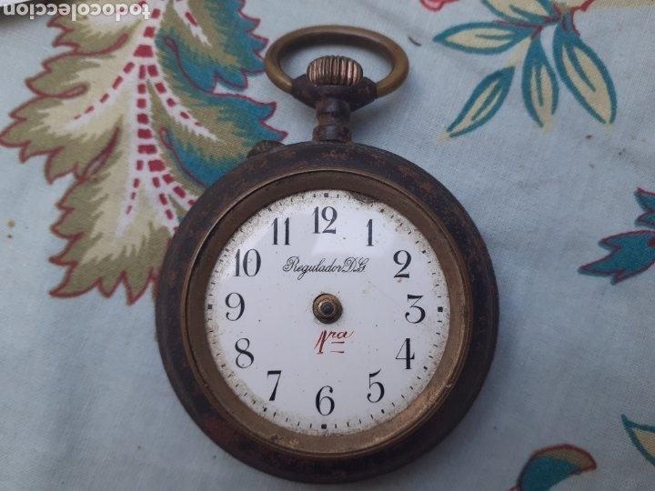 RELOJ ANTIGUO DE BOLSILLO FUNCIONA FALTA CRISTAL Y AGUJAS (Relojes - Bolsillo Carga Manual)