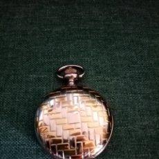 Relojes de bolsillo: ANTIGUO RELOJ DE BOLSILLO PLATEADO_DORADO. Lote 208952531