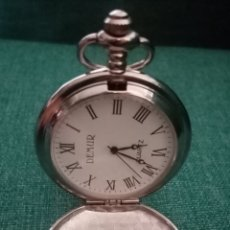 Relojes de bolsillo: RELOJ DE BOLSILLO PLATEADO ADORNADO CON FILIGRANAS 4.5CM DIÁMETRO. Lote 211495601