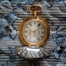 Relojes de bolsillo: COQUETO RELOJ DE BOLSILLO CON TAPA BICOLOR PLATEADO_DORADO. 4CM X 4CM. Lote 212848446
