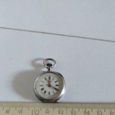 Relojes de bolsillo: RELOJ DE BOLSILLO DE SEÑORA DE PLATA. Lote 215795350