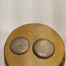 Relojes de bolsillo: TAPAS TRASERAS DE PLATA LABRADAS DE RELOJ DE BOLSILLO. SIGLO XIX. 14 G. 4,5 CM. DE DIÁMETRO.. Lote 222370035