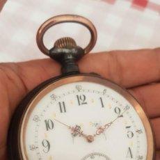 Relojes de bolsillo: RELOJ ANTIGUO GOLIAT MIDE 6.7CM CAJA EMPAVONADA FUNCIONA ALTA COLECCIÓN. Lote 222603722