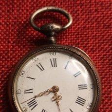 Relojes de bolsillo: ANTIGUO RELOJ DE BOLSILLO DE LLAVE - CAJA DE PLATA 800 MILESIMAS - CONTRASTE - AOUX A MURAT. Lote 225695903