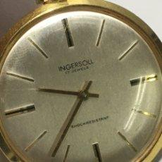 Relojes de bolsillo: RELOJ DE BOLSILLO INGERSOLL CARGA MANUAL Y CAJA CHAPADA. Lote 235816245