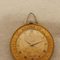 Relojes de bolsillo: CURIOSO RELOJ DE BOLSILLO MECANICO TIPO MONEDA DE ORO DOLLAR ESCUDO EEUU. Lote 245011215