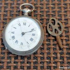Relojes de bolsillo: PEQUEÑO RELOJ CON LLAVE FUNCIONANDO CAJA DE PLATA. Lote 257446055
