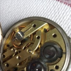 Relógios de bolso: RELOJ BOLSILLO ANTIGUO PLATA. NECESITA REVISIÓN SE SALE EJE PERO FUNCIONA CONTINUAMENTE. Lote 258142635