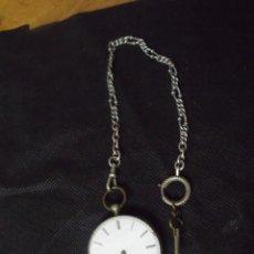 Relojes de bolsillo: ANTIGUO RELOJ BOLSILLO EN PLATA AÑO 1880-CON LLAVE-LEONTINA EPOCA-FUNCIONA- LOTE 259-30. Lote 267791144