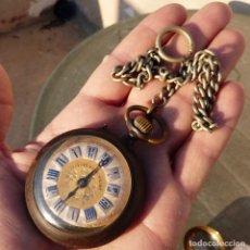 Relojes de bolsillo: ANTIGUO RELOJ DE BOLSILLO CARGA MANUAL, SYSTEME ROSKOPF, DE HIERRO CON LEONTINA, FUNCIONANDO.. Lote 276965463