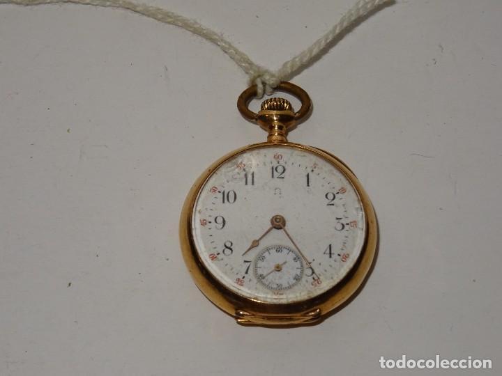 Relojes de bolsillo: ANTIGUO RELOJ - OMEGA - CARGA MANUAL DE ORO 18 KL. ESTADO DE FUNCIONAMIENTO . 4,5X3,3 CM. - Foto 2 - 278884268