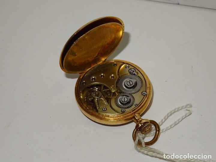 Relojes de bolsillo: ANTIGUO RELOJ - OMEGA - CARGA MANUAL DE ORO 18 KL. ESTADO DE FUNCIONAMIENTO . 4,5X3,3 CM. - Foto 7 - 278884268