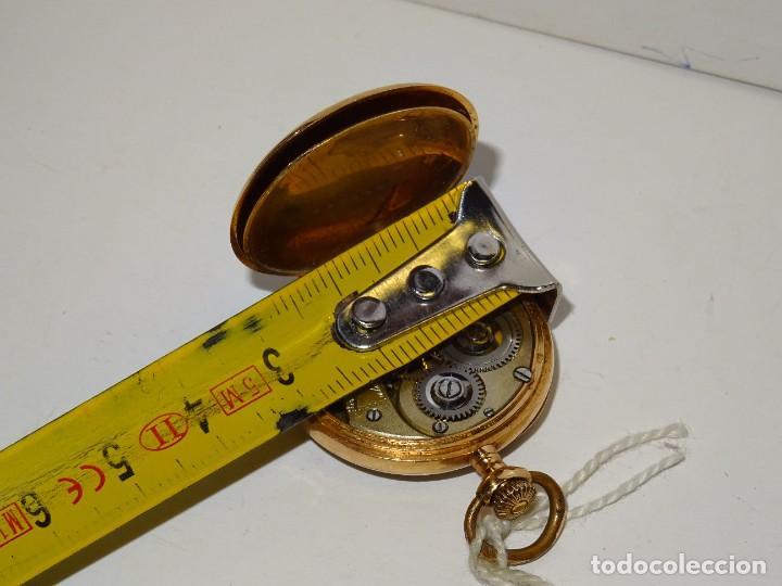 Relojes de bolsillo: ANTIGUO RELOJ - OMEGA - CARGA MANUAL DE ORO 18 KL. ESTADO DE FUNCIONAMIENTO . 4,5X3,3 CM. - Foto 8 - 278884268