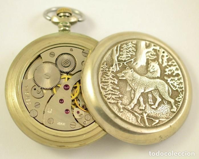Relojes de bolsillo: ANTIGUO RELOJ DE BOLSILLO RUSO DE LA MARCA MOLNIJA AÑOS 60 18 RUBIES CON MANADA DE LOBOS EN RELIEVE - Foto 3 - 283379398