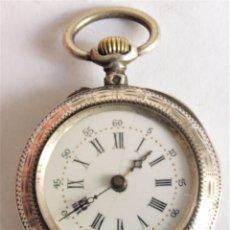 Relógios de bolso: PEQUEÑO RELOJ DE BOLSILLO ANTIGUO CON CAJA DE PLATA.. Lote 288044233