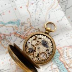 Orologi da taschino: RARO Y ANTIGUO RELOJ DE BOLSILLO CON BRÚJULA - FUNCIONA. Lote 294143133