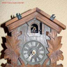 Relojes de pared: RELOJ DE MADERA TALLADA CON SONERIA Y CUCO. Lote 26697437