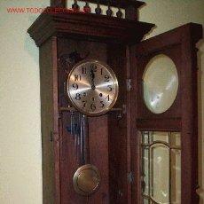 Relojes de pared: RELOJ DE NOGAL . Lote 26122659