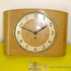 Relojes de pared: RELOJ DE COCINA MADERA. Lote 10210037