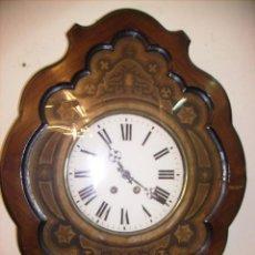 Relojes de pared: RELOJ DE PARED DE CAOBA CON MARQUETERIA LA ESFERA DE CRISTA UNA LAGRIMAL, ISABELINO FUNCIONANDO. Lote 26799778