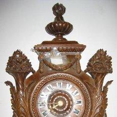 Relojes de pared: ESPECTACULAR RELOJ DE PARED ANTIGUO CON PRECIOSA TALLA. Lote 26637953