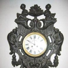 Relojes de pared: RELOJ DE PARED CON DECORACIÓN FLORAL Y DOS NIÑOS. Lote 26645398