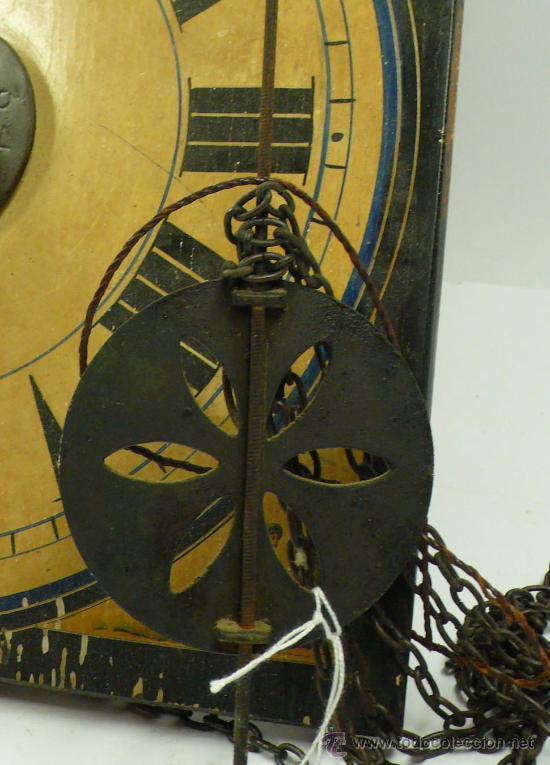 Relojes de pared: Reloj tipo ratera de una campana con esfera de madera y péndulo de metal, . - Foto 2 - 28372098