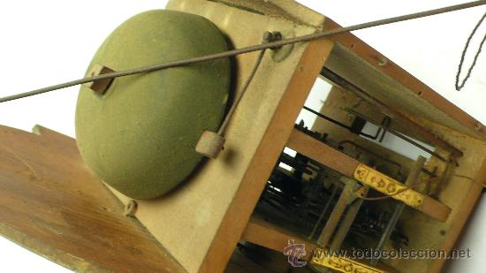 Relojes de pared: Reloj tipo ratera de una campana con esfera de madera y péndulo de metal, . - Foto 4 - 28372098