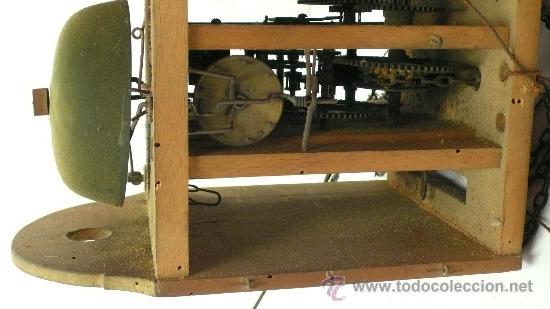 Relojes de pared: Reloj tipo ratera de una campana con esfera de madera y péndulo de metal, . - Foto 7 - 28372098