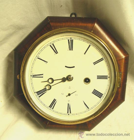 RELOJ PARED AMERICANO 8 DIAS CUERDA, FUNCIONA. MED. 24 X 24 X 8 CM (Relojes - Pared Carga Manual)