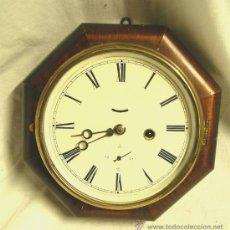 Relojes de pared: RELOJ PARED AMERICANO 8 DIAS CUERDA, FUNCIONA. MED. 24 X 24 X 8 CM. Lote 50296924