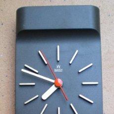 Relojes de pared: RELOJ DE PARED QUARTZ PUBLICIDAD BANCO HERRERO, VINTAGE.. Lote 32320933