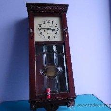 Relojes de pared: IMPRESIONANTE Y MUY ANTIGUO RELOJ DE PARED CON SONERIA DE MEDIAS Y HORAS, FUNCIONANDO PRFECTO. Lote 34311651