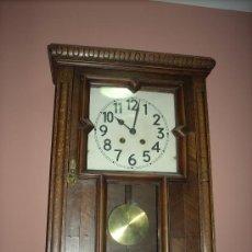 Relojes de pared: MAGNÍFICO RELOJ FUNCIONANDO DE LOS AÑOS 1900. RESTAURADO. ORIGEN ALEMÁN. Lote 36187320