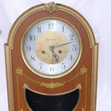 Relojes de pared: RELOJ URSS VINTAGE CCCP ARMAPH A CUERDA EN MADERA METAL Y PLASTICO DORADO. Lote 36707287