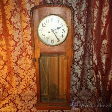 Relojes de pared: RELOJ DE PARED DE CARGA MANUAL AÑOS 20. MARCA ALIX. CON LLAVE Y PENDULO.. Lote 37346426