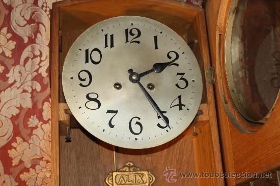 Relojes de pared: RELOJ DE PARED DE CARGA MANUAL AÑOS 20. MARCA ALIX. CON LLAVE Y PENDULO. - Foto 4 - 37346426