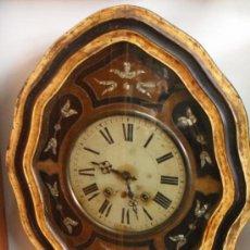 Relojes de pared: RELOJ DE PARED OJO DE BUEY CARGA MANUAL DE MORE CON NACAR (I-A-26). Lote 37540247