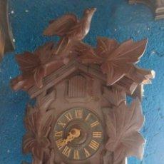 Relojes de pared: BONITO RELOJ DE CUCO CON CAJA DE MADERA, FUNCIONANDO.. Lote 37638328